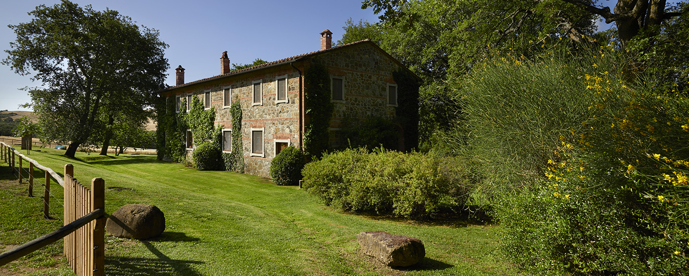Spacious country villa with pool in the famous Val d'Orcia