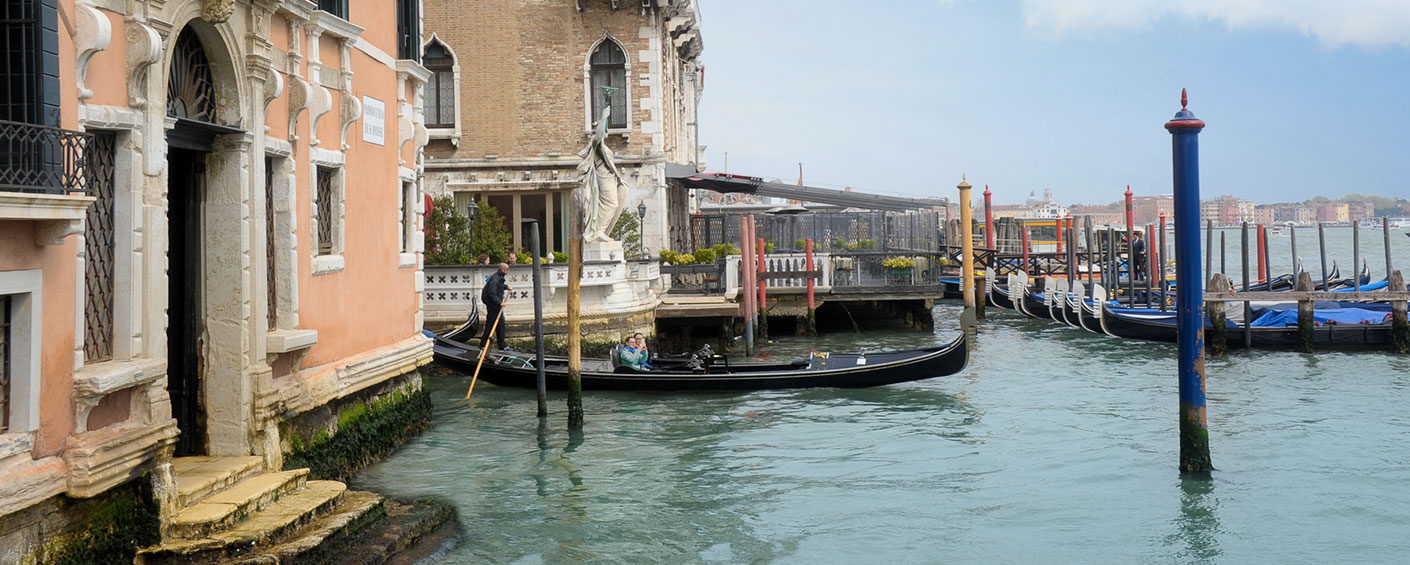 Luxurious family apartment with roof terrace in Venice on the Grand Canal
