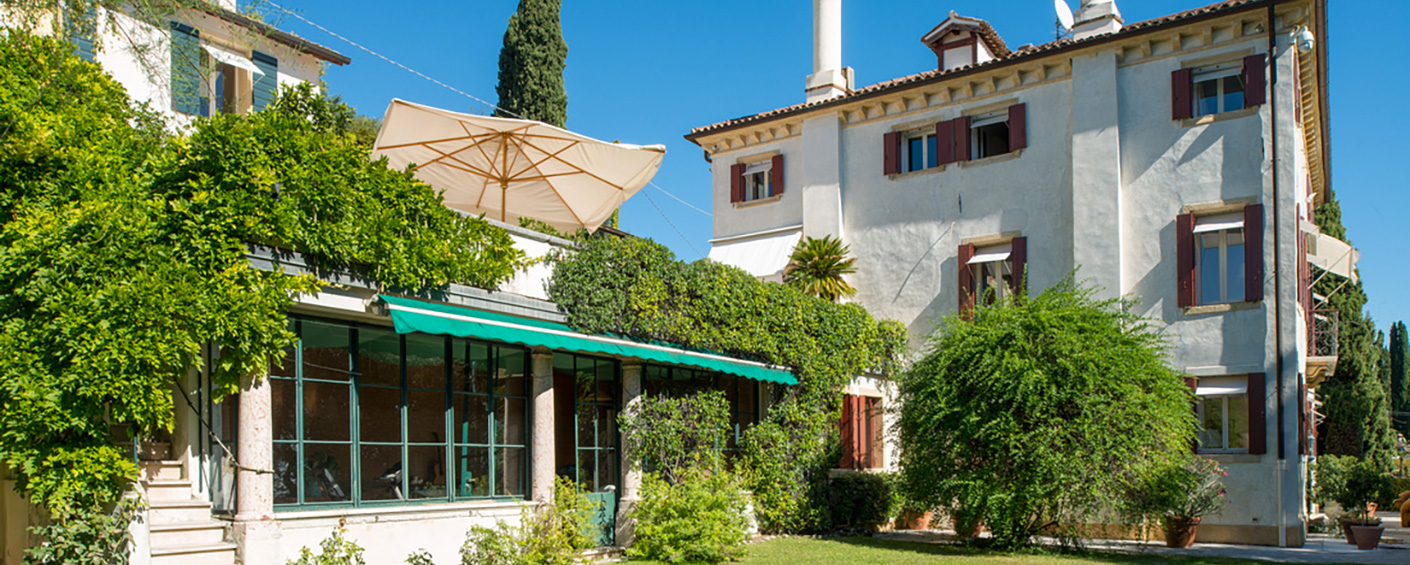 Superb hilltop villa in one of the most beautiful villages of Veneto