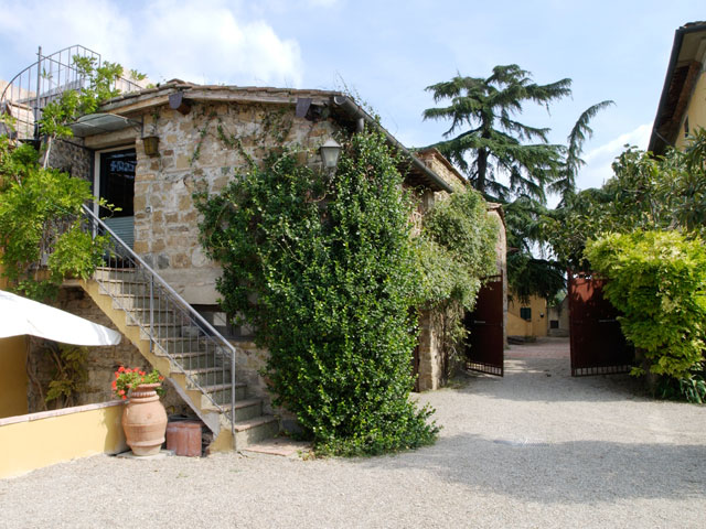 Stylish Cottage with Pool for Rent in Florence | Hidden Italy