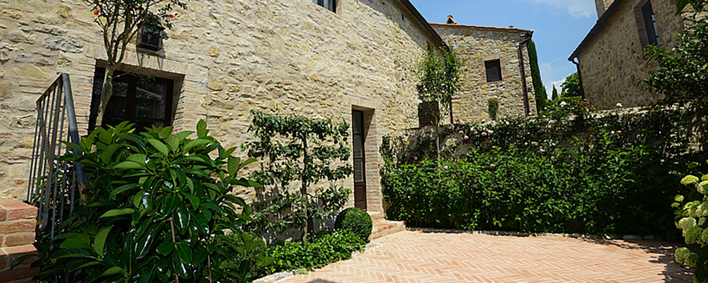 Luxury bed and breakfast set in a privately owned hamlet in Tuscany