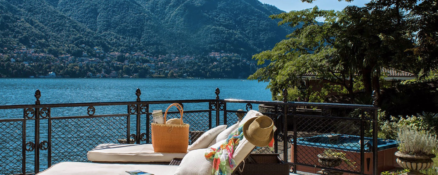 Historic lakefront villa on the shore, close to the famous Hotel Villa d'Este and to a village
